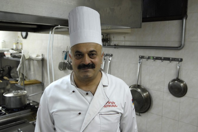 Սեդրակ Մամուլյան. հայկական խոհանոցի նրբությունները եւ համեմունքներից ամենակարևորը` սեր