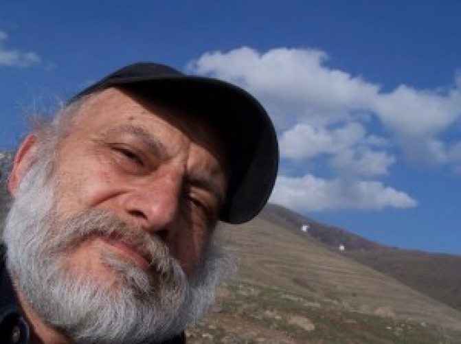 Անժամկետ հացադուլ. Պանթեոնի հարեւանությամբ կառուցվող դելֆինարիայի որոշման դեմ գրող-հրապարակախոս Վահրամ Թաթիկյանը դիմում է ծայրահեղ քայլի