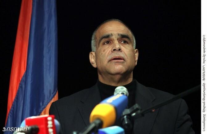 Հացադուլը դադարեցված է. Րաֆֆի Հովհաննիսյանը դիմում է հայրենակիցներին