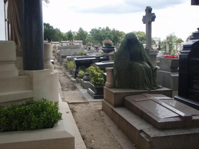 Կոռուպցիա. մոտ ապագայում Երեւանում գերեզմանների համար էլ տարածք չի մնա
