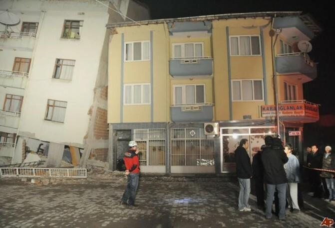 Երկրաշարժի ալիքը Երեւանում մարդկանց խուճապահար է արել. Թուրքիայում հաղորդվում է ավերածությունների եւ զոհերի մասին