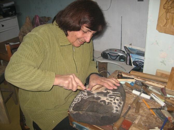 Հանրապետության միակ կին փայտագործը. վանաձորցի Սուսաննա Օհանյանն ամեն օր ու ամեն ժամ կենդանի շունչ է հաղորդում փայտին