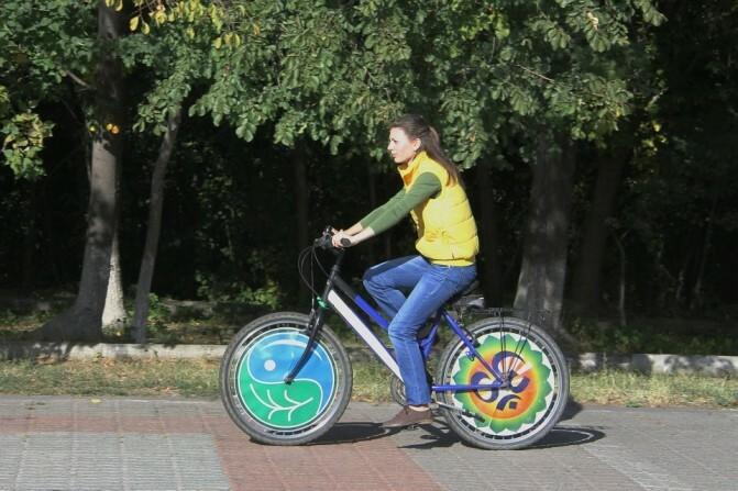 Հեծանվորդ տեսնելիս ազդանշան են տալիս կամ գոռում հետևից. չնայած վերաբերմունքին` Երևանը հեծանվային կայանատեղիներ կունենա