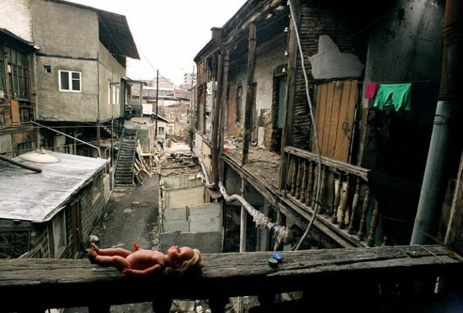 Քաղաքի հիշողության կորուստը` Հայկ Բիանջյանի լուսանկարներում. «Անիմաստ է Էրեբունի-Երևան տոնելը, երբ չենք կարողանում պահպանել»