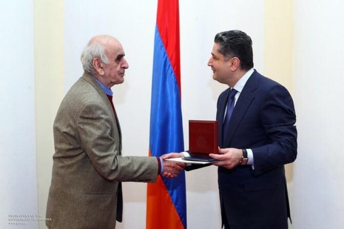 Արտավազդ Փելեշյանը պարգևատրվել է ՀՀ վարչապետի հուշամեդալով