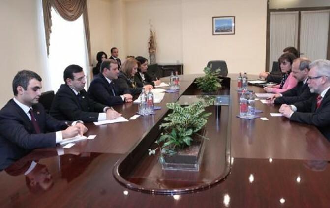 Քաղաքապետ Տարոն Մարգարյանը հանդիպել է Չեխիայի Հանրապետության արտաքին գործերի նախարարի տեղակալին