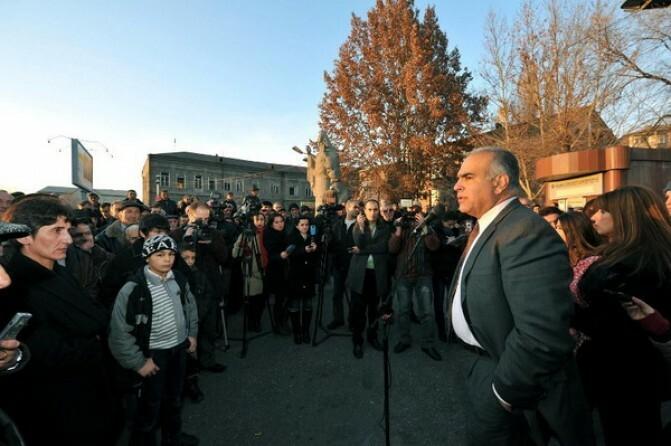 Րաֆֆի Հովհաննիսյանը խոստանում է 50 տոկոսով բարձրացնել կենսաթոշակները եւ ստեղծել 180 հազար նոր աշխատատեղ