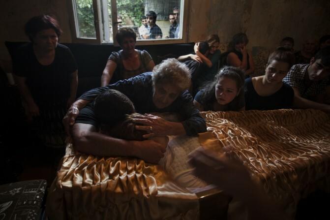 «Արքայադուստրից` ստրուկ». ակնթարթներ, որոնք պատմում են կյանքի ու մահվան, բռնության և ցավի մասին