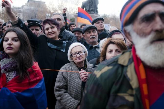 Դեպի Ազատության հրապարակ. «Րաֆֆի Հովհաննիսյանի վարկանիշը կտրուկ անկում է ապրել, և այդ տեղը փորձում են զբաղեցնել այլ քաղաքական ուժեր»