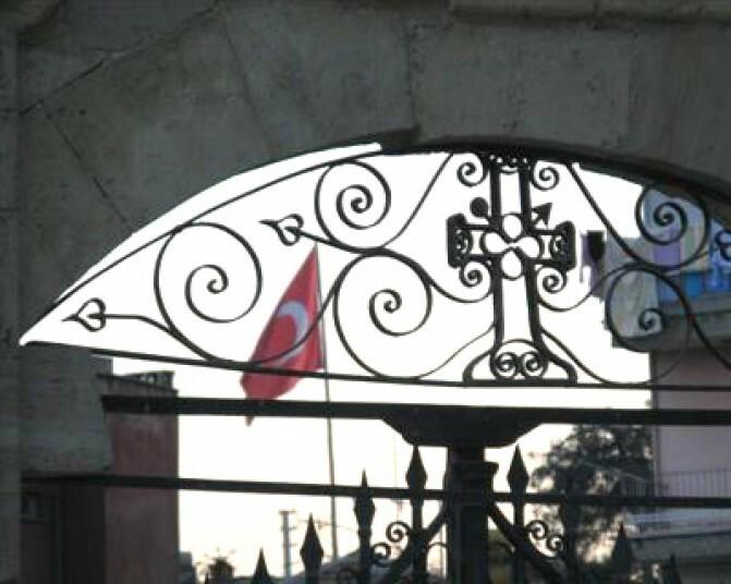 Ցեղասպանությունից   հետո Թուրքիան վերադարձրել է որոշ եկեղեցական իրեր. մենք պահանջում ենք մնացածը