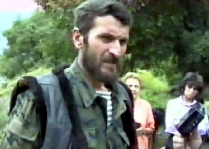 Արձակագիր, ազատամարտիկ Լևոն Խեչոյանը` պատերազմի ժամանակ. բացառիկ կադրեր /Տեսանյութ/