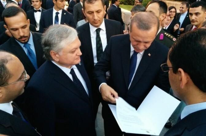 Նալբանդյանը Էրդողանին հանձնեց պաշտոնական հրավեր՝ Երևանում ներկա գտնվելու Հայոց ցեղասպանության զոհերի հիշատակի ոգեկոչման արարողությանը