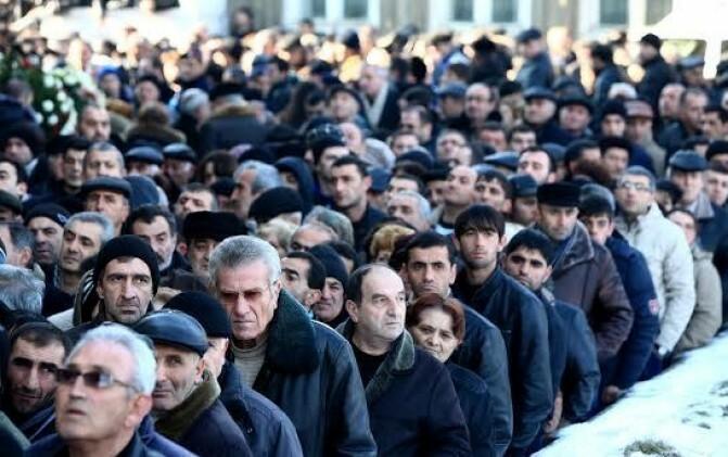 Վերջին հրաժեշտ. Գյումրիում հրաժեշտ են տալիս Ավետիսյաններին