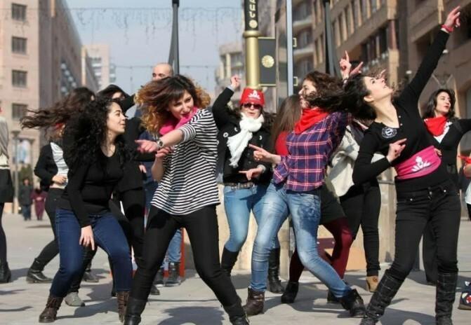 Ես չափս անցել եմ ու ինձ բռնել էլ չի լինի. հայ ֆեմինիստները շատ չեն, բայց հաստատակամ են իրենց պայքարում