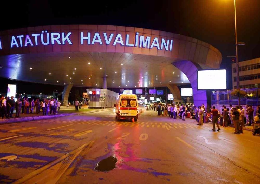 Ստամբուլի օդանավակայանում պայթուններ են որոտացել
