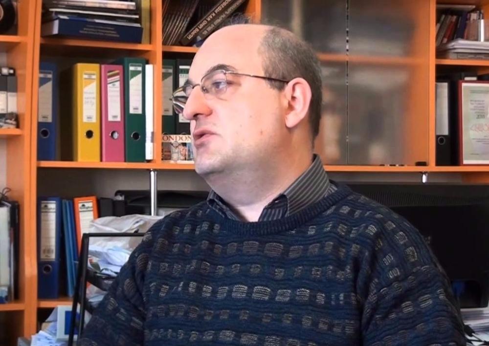 «Այն գործիչները, ովքեր այսօր գովում են Սերժ Սարգսյանին, եթե իմանան, որ նա չի լինելու վարչապետ, կարող են խուսափել նրանից». Արմեն Բադալյան