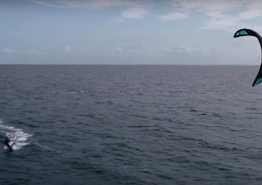 Բելգիայի Ֆիլիպ թագավորը Սևանում քայթ-սերֆինգով է զբաղվում (տեսանյութ)