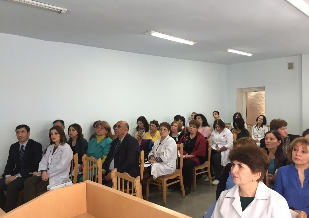 Արցախի հազարից ավելի բժիշկներ և բուժքույրեր մասնագիտական վերապատրաստում կանցնեն