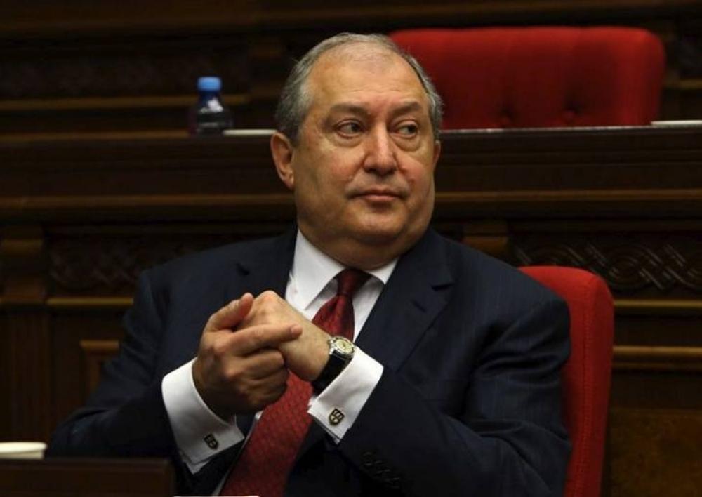 Նախագահ Սարգսյանը հաստատել է նախարարներին պաշտոնանկ անելու վարչապետի հրամանագրերը