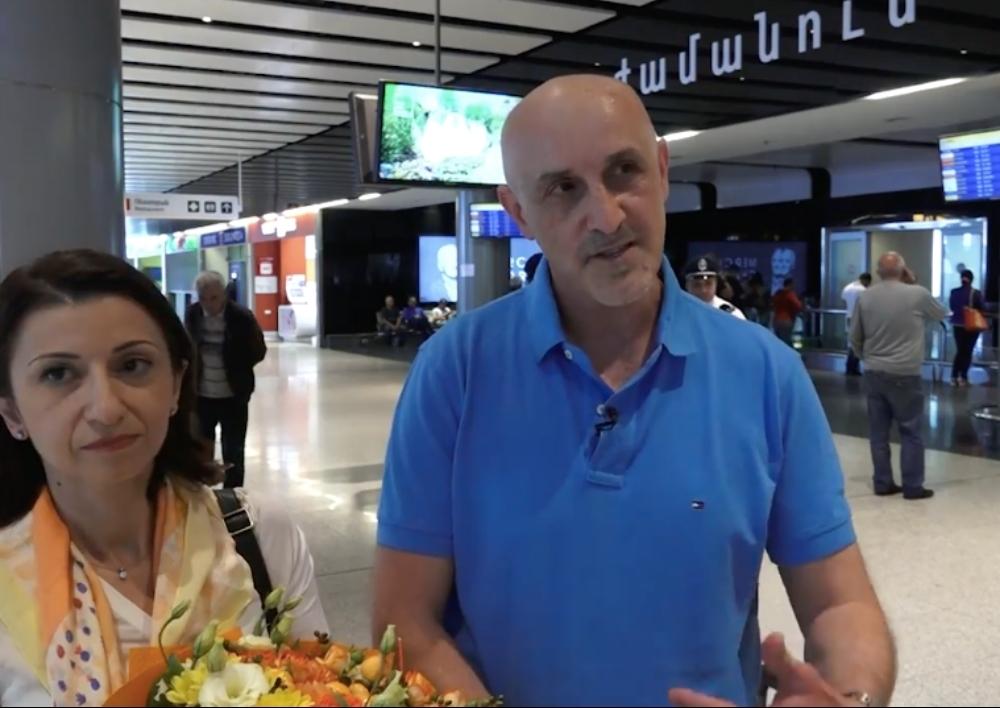Ավստրալահայ Աղաջանյանների ընտանիքն այսօր ժամանեց Հայաստան՝ մշտական բնակության. Տեսանյութ