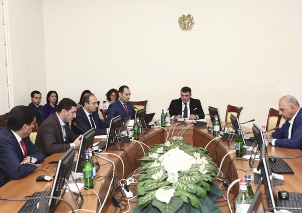 ԱԺ պետական-իրավական եւ ՄԻՊ հանձնաժողովը դրական եզրակացություն է տվել ԸՕ-ի նախագծին