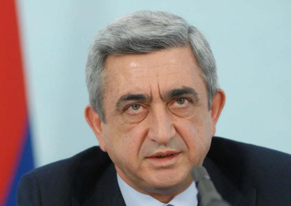 Սերժ Սարգսյանը դուրս է եկել կառավարական առանձնատնից. «Ազատություն»
