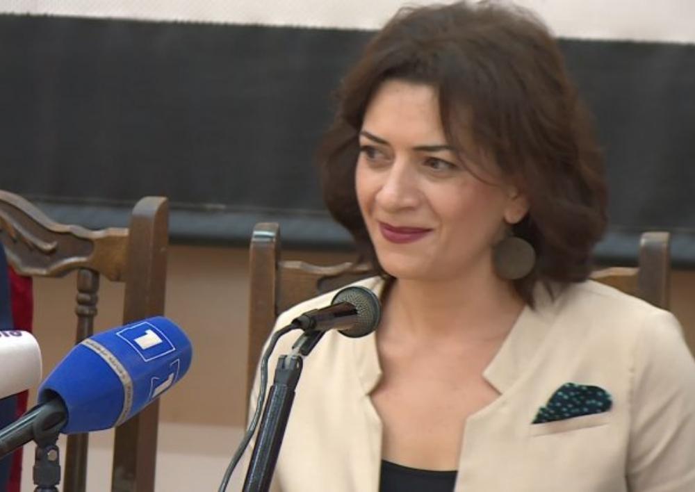 Աննա Հակոբյանի՝ ուղղաթիռով Արթիկ մեկնելու մասին լուրը կեղծ է