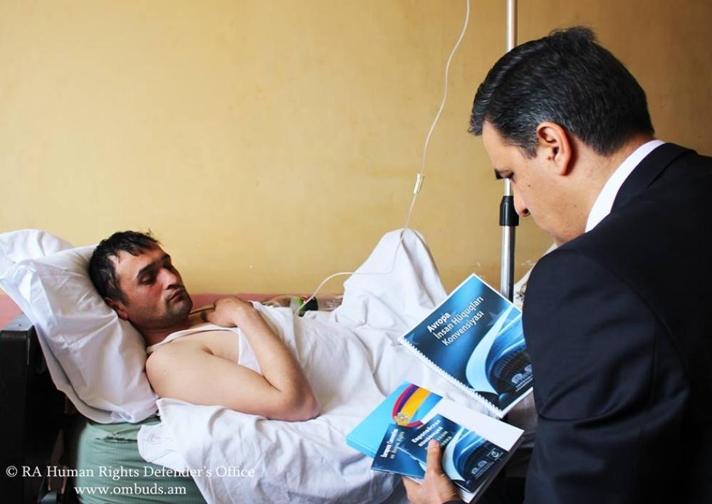 Արմեն Թաթոյանն այցելել է ձերբակալված Ադրբեջանի քաղաքացուն