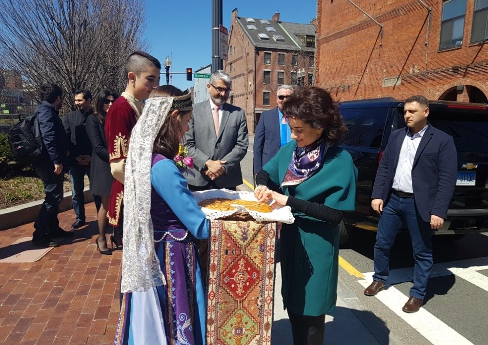 Աննա Հակոբյանը բազմաթիվ համայնքային հանդիպումներ է ունեցել Բոսթոնում