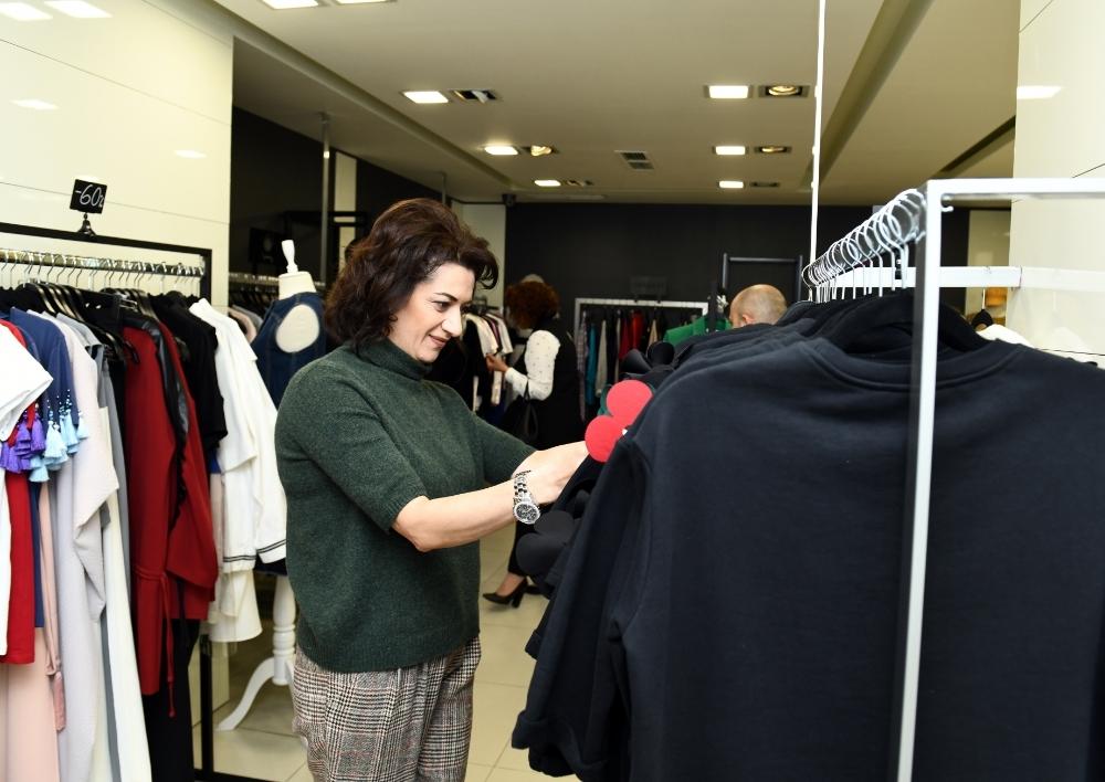 Աննա Հակոբյան. Այսուհետ կրելու եմ բացառապես հայ դիզայներների արտադրանքը, այն ինչ-որ հնարավոր կլինի ձեռքբերել Երեւանի խանութներում