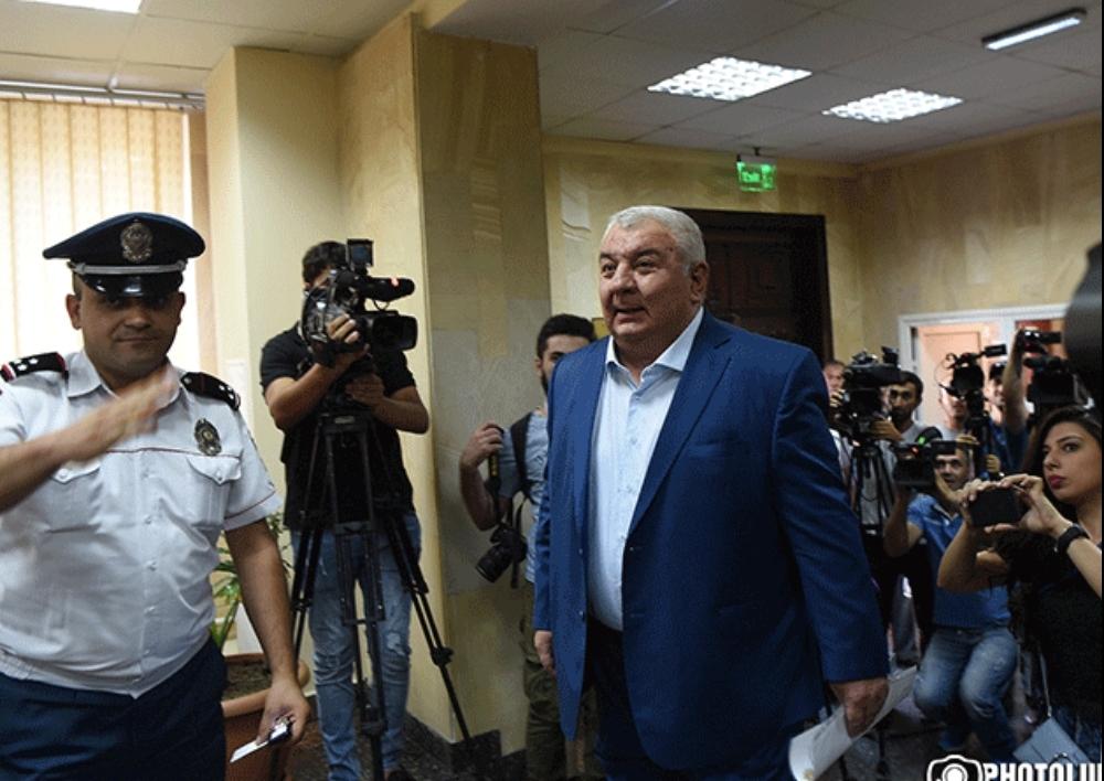 Ոստիկանությունը պարզաբանում է, թե ինչու Խաչատուրովին թույլ չեն տվել հատել ՀՀ սահմանը