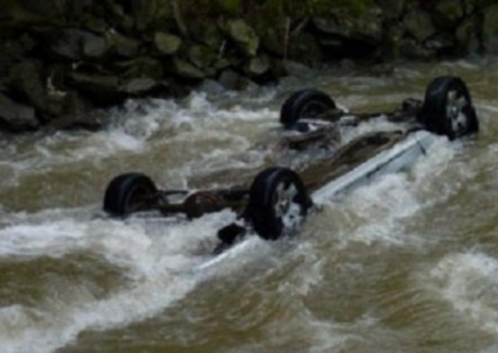 Դիլիջան-Իջևան հատվածում մեքենան ընկել է ջրատարը. 4 մարդ տեղափոխվել է հիվանդանոց