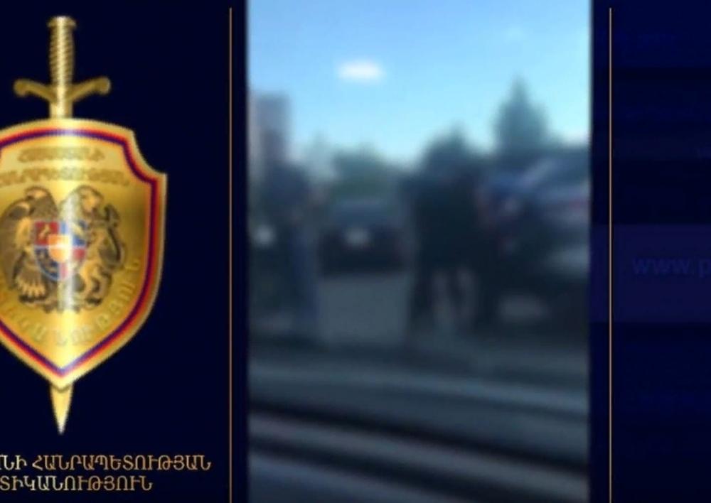 Ոստիկանները բերման են ենթարկել «օրենքով գողի». Տեսանյութ