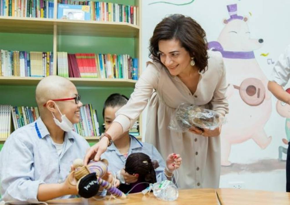 Աննա Հակոբյանը Հանոյում այցելել է արյան հիվանդություններ ունեցող երեխաներին