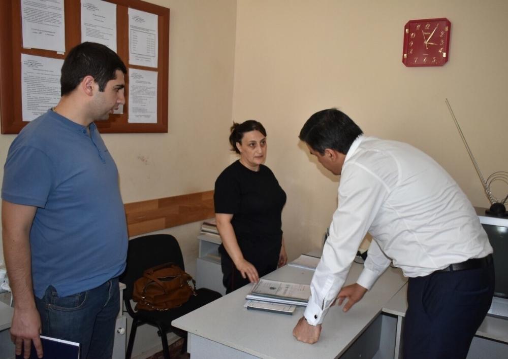 Յուրիկ Բրոյանը ռազմաբժշկական հանձնաժողովի կրկնակի փորձաքննություն կանցնի. Պաշտպանն այցելել է զինծառայողին