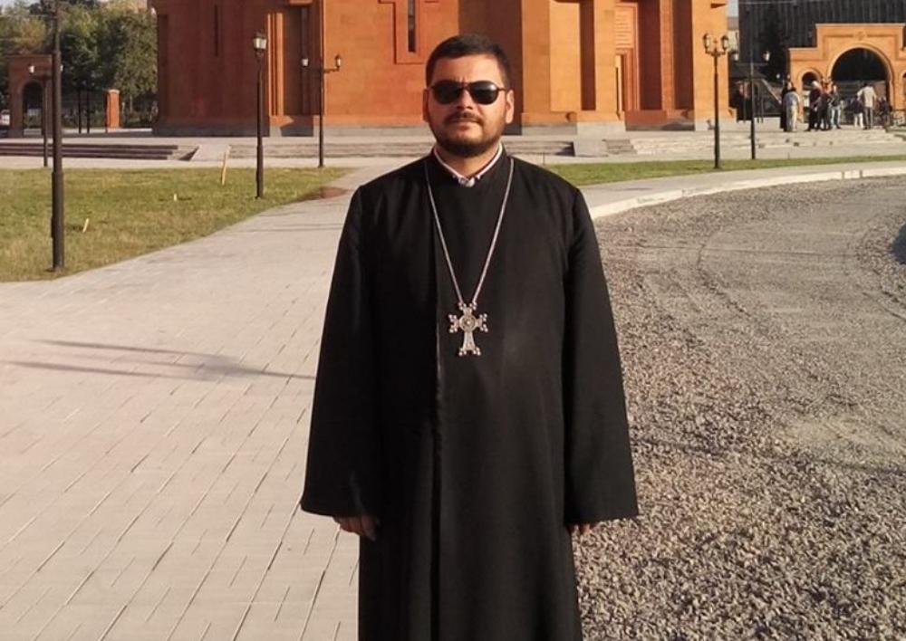 «Ժողովուրդը միշտ ասել է, որ եկեղեցին հայկական է, մենք էլ եկել ենք այստեղ՝ որպես ծառայություն մատուցող». հայ քահանան՝ Դիմիտրովի ասորական եկեղեցին զավթելու մասին