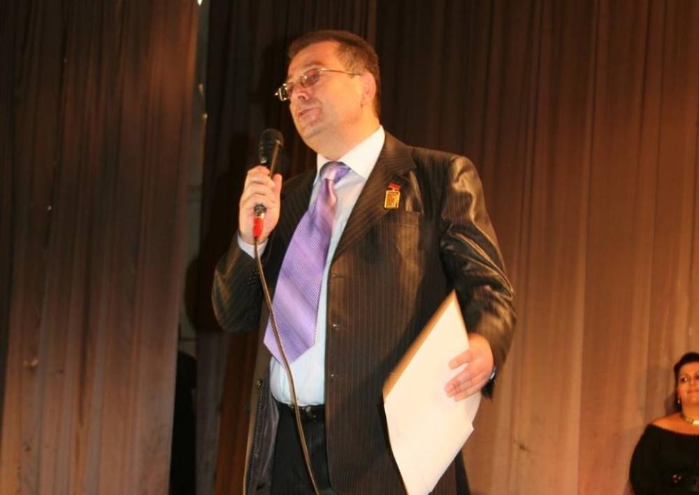Հրաչյա Պապինյանը թողնում է Ալավերդու քաղաքային թատրոնի գեղարվեստական ղեկավարի պաշտոնը