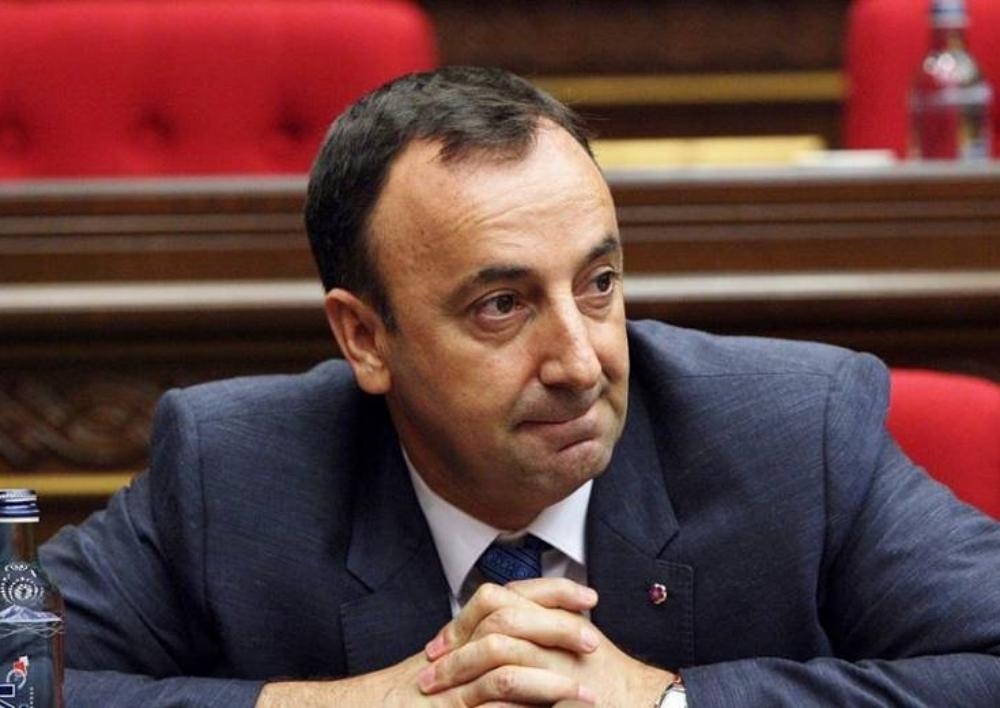 Իրավապահներն ուսումնասիրում են Ազգային ժողովում Հրայր Թովմասյանի թույլ տված չարաշահումները. Armtimes.com