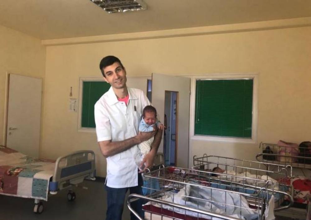 Մանկաբարձ-գինեկոլոգ Արմեն Մկրտչյանը Սուդանում փոխարինելու է բժիշկ Թոմ Քաթինային