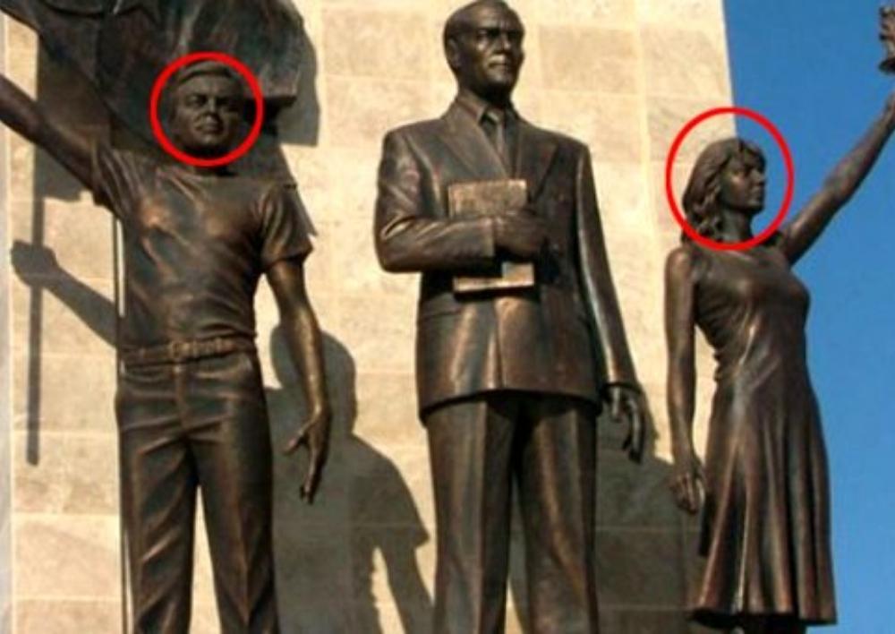 Թուրքիայում քաղաքապետը Աթաթուրքի հուշարձանի կողքին իր ու կնոջ արձանն է կանգնեցրել