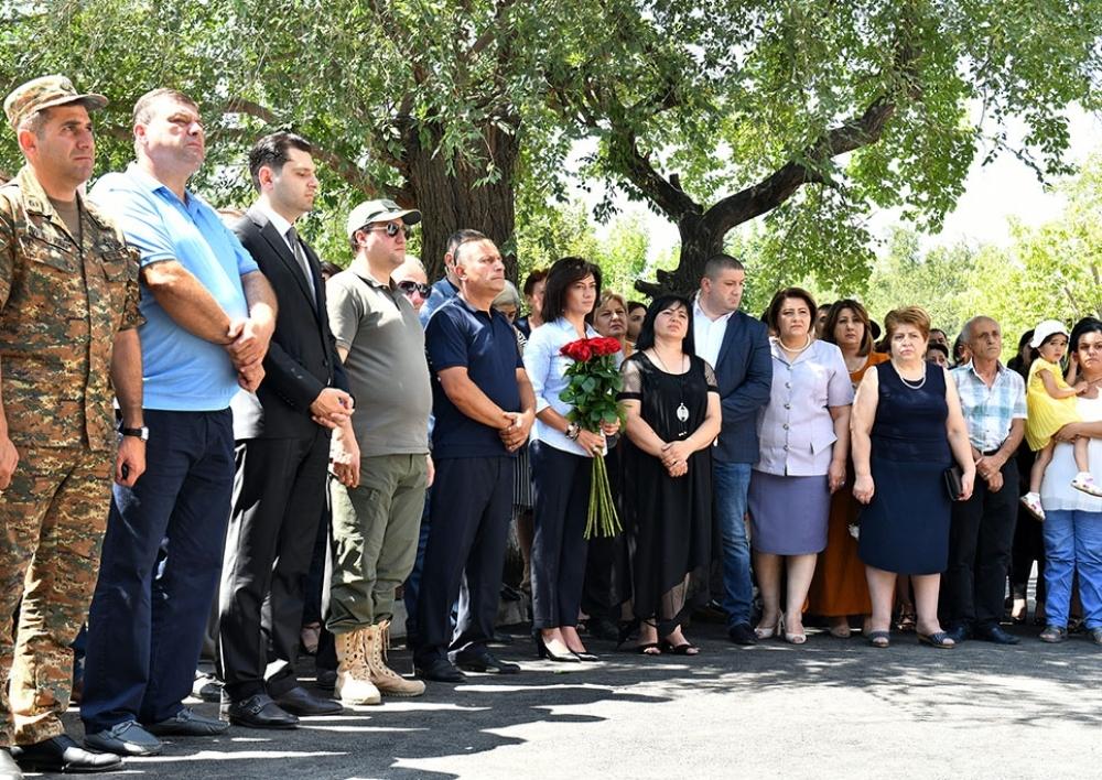 Աննա Հակոբյանը մասնակցել է Ապրիլյան պատերազմում զոհվածներին նվիրված հուշակոթողի բացմանը