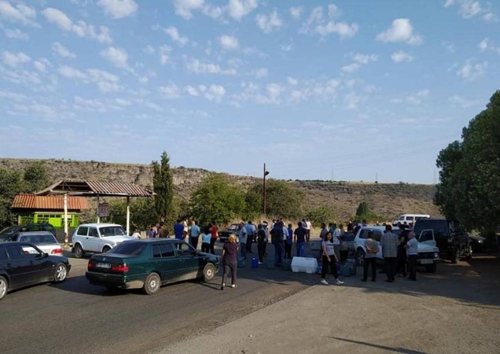 Մարդու իրավունքների պաշտպանը քայլեր է ձեռնարկում Արճիս գյուղում խմելու ջրի բացակայության հարցով