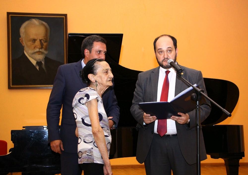 Չայկովսկու անվան դպրոցում նշել են 100-ամյա ուսուցչուհու տարեդարձը