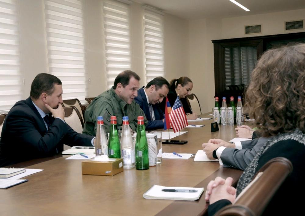 Դավիթ Տոնոյանն ընդունել է ԱՄՆ պաշտպանության քարտուղարի փոխտեղակալի գլխավորած պատվիրակությանը