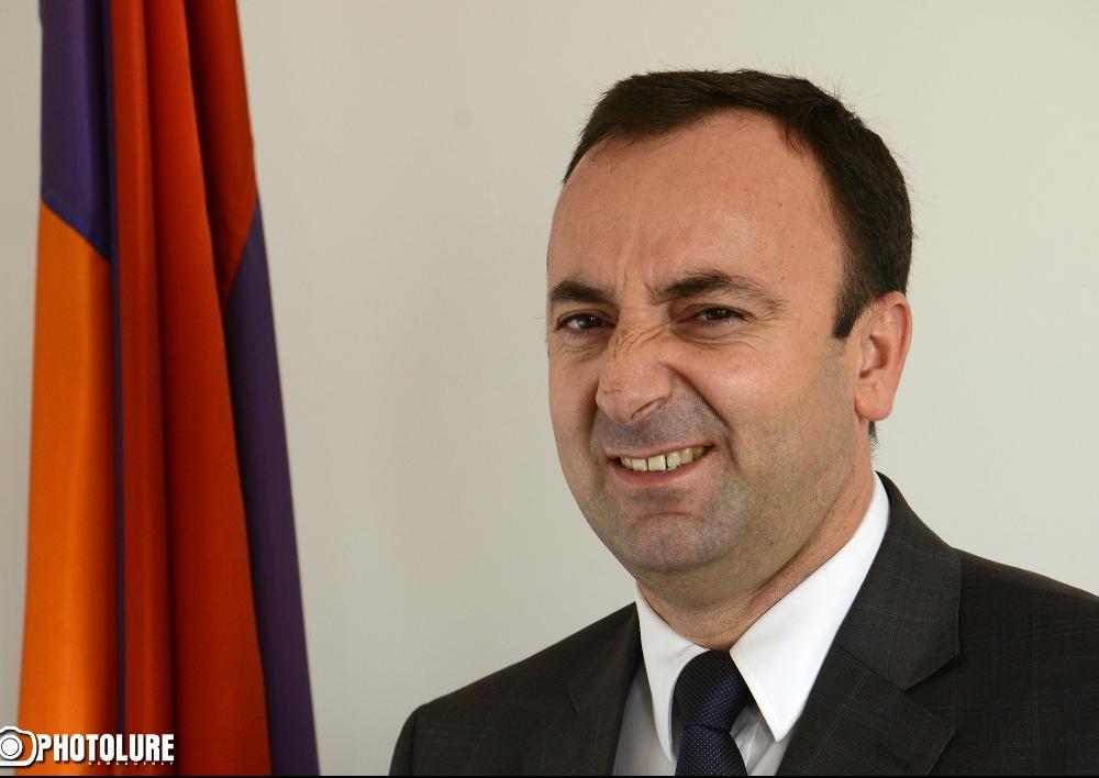 98 կողմ, 1 դեմ․  ԱԺ-ն ընդունեց Հրայր Թովմասյանի լիազորությունները դադարեցնելու հարցով ՍԴ դիմելու որոշում