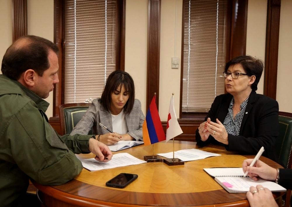 Դավիթ Տոնոյանը ԿԽՄԿ պատվիրակության ղեկավարի հետ քննարկվել է ադրբեջանական կողմում անազատության մեջ գտնվող ՀՀ քաղաքացիների ճակատագիրը