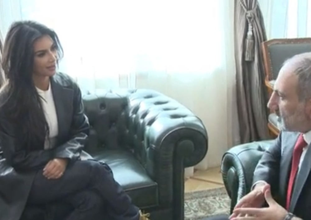 Նիկոլ Փաշինյանը հյուրընկալել  է Քիմ Քարդաշյանին. Տեսանյութ