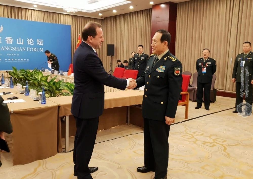 Հանդիպել են  Հայաստանի և Չինաստանի պաշտպանության նախարարները