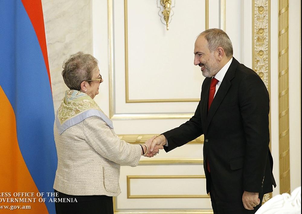 Հայաստանն ու Եվրամիությունը համագործակցության հագեցած օրակարգ ունեն. ՀՀ վարչապետն ընդունել է Հայաստանում ԵՄ դեսպանին