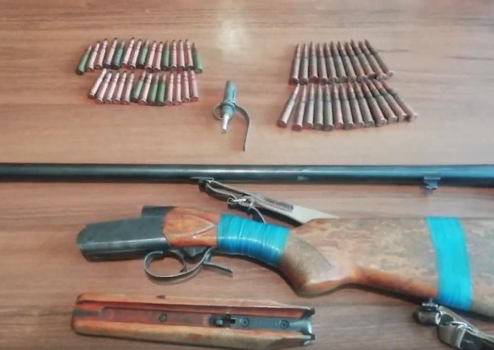Ատրճանակ, հրացաններ, նռնակ․ ոստիկանության բաժիններում ապօրինի զենք-զինամթերք է հանձնվել ․ Տեսանյութ